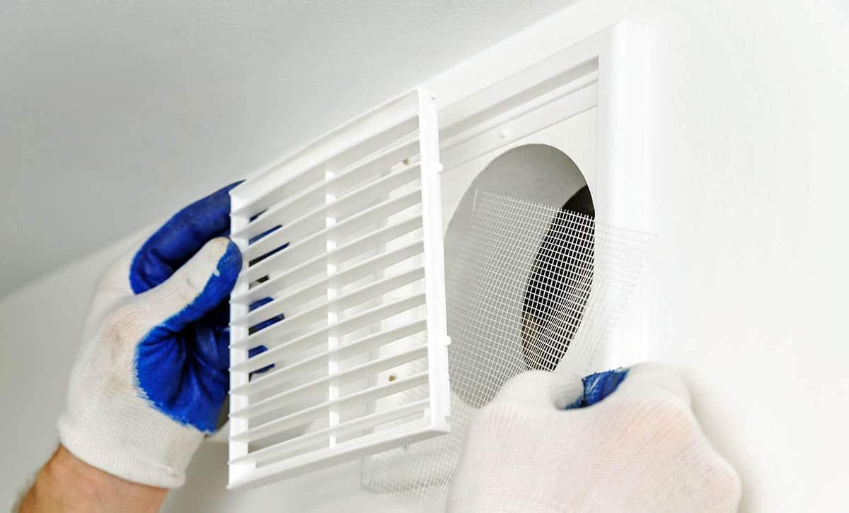 Как и чем почистить вентиляцию в квартире. Практические советы
